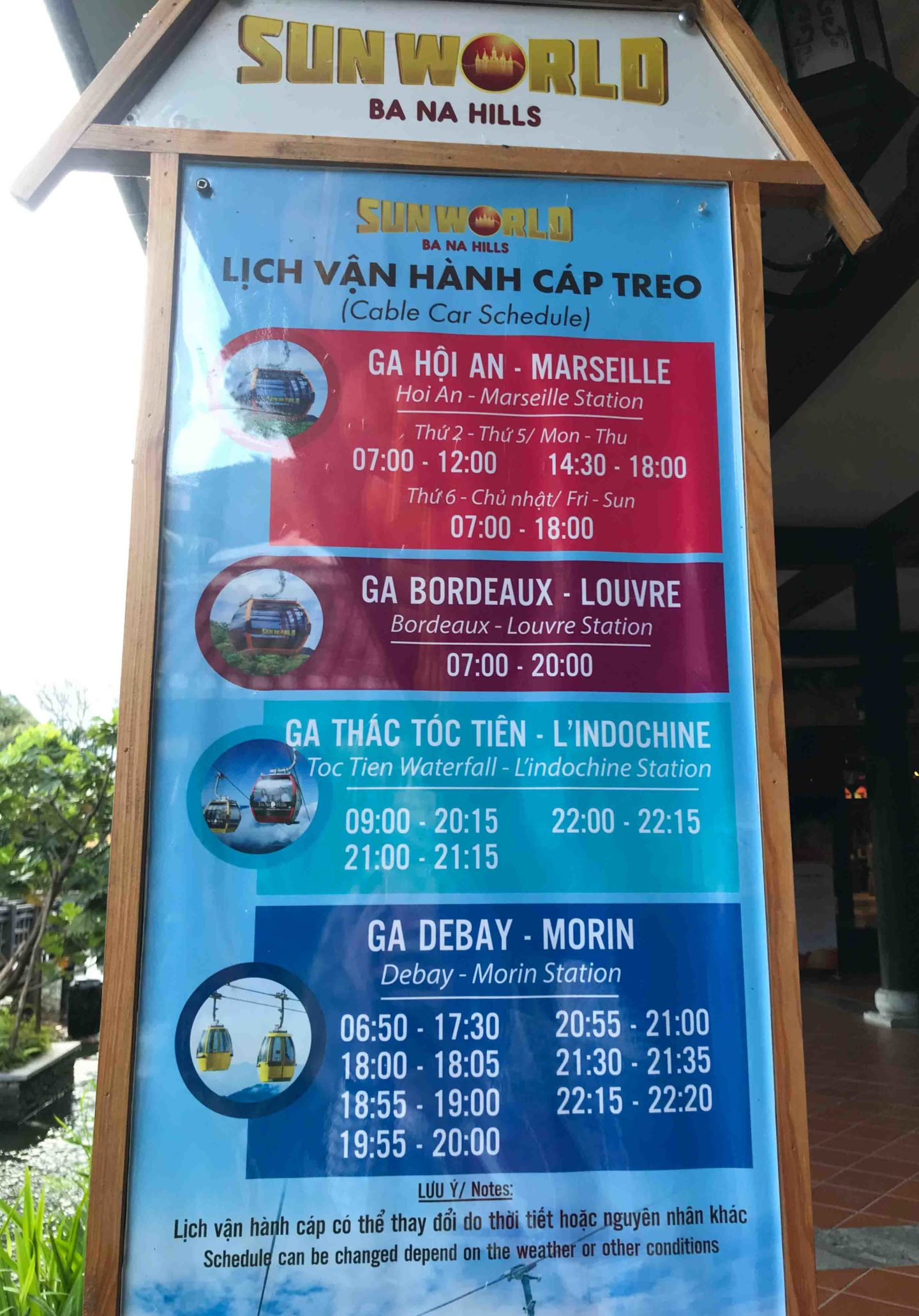 Cable car schedule to go on top of the Ba Na Hills, Da Nang