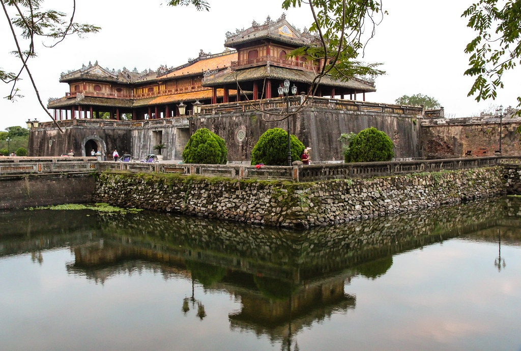 Huê monuments complex