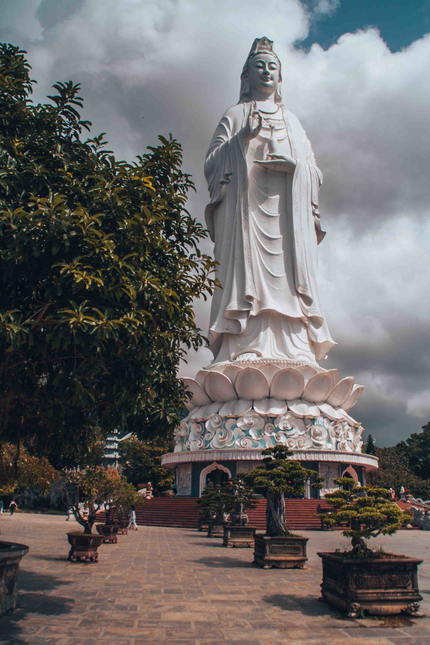 Explore Lady Buddha, the tallest statue in Da Nang and whole Vietnam