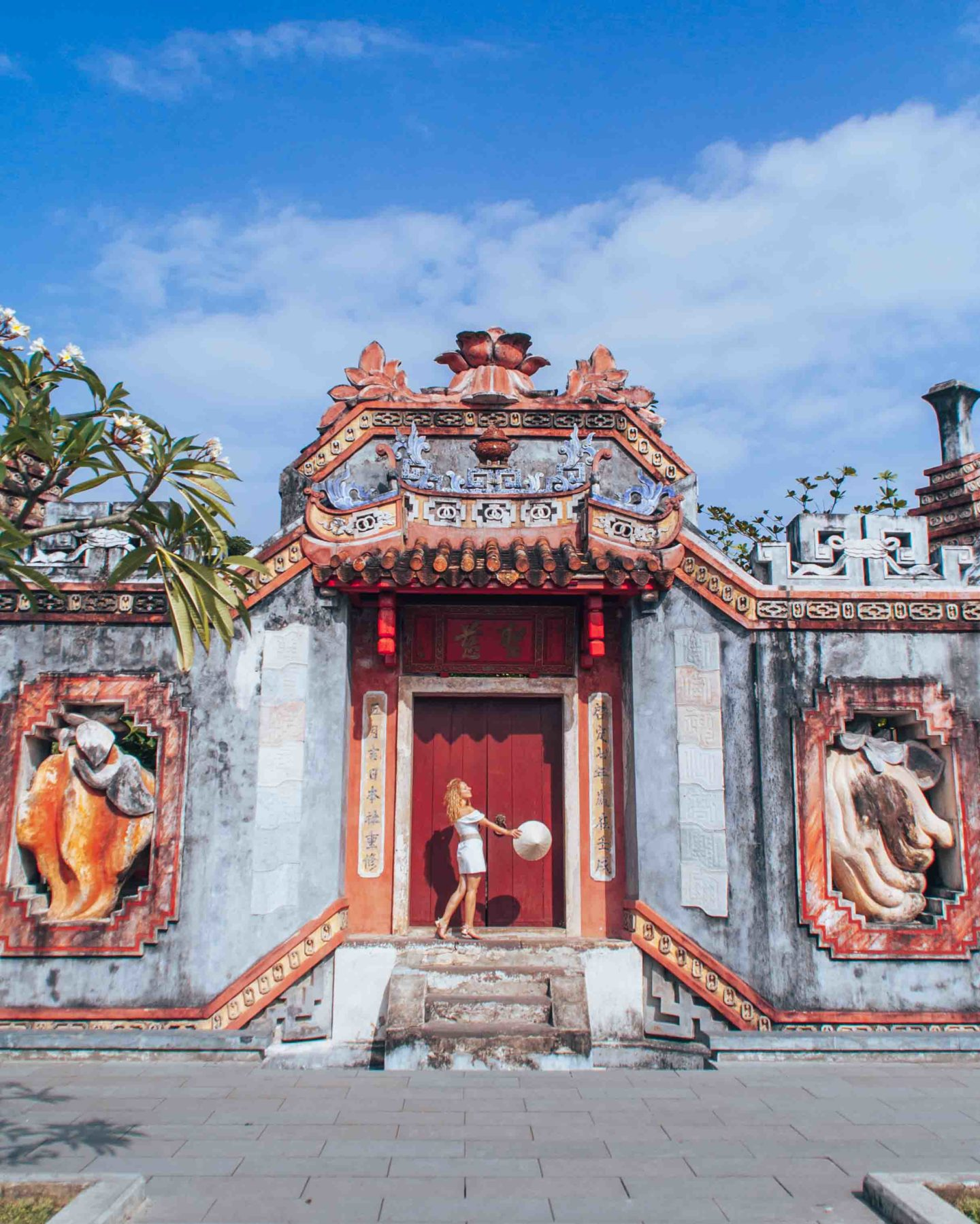 The Ba Mu temple gate in Hoi An, Vietnam