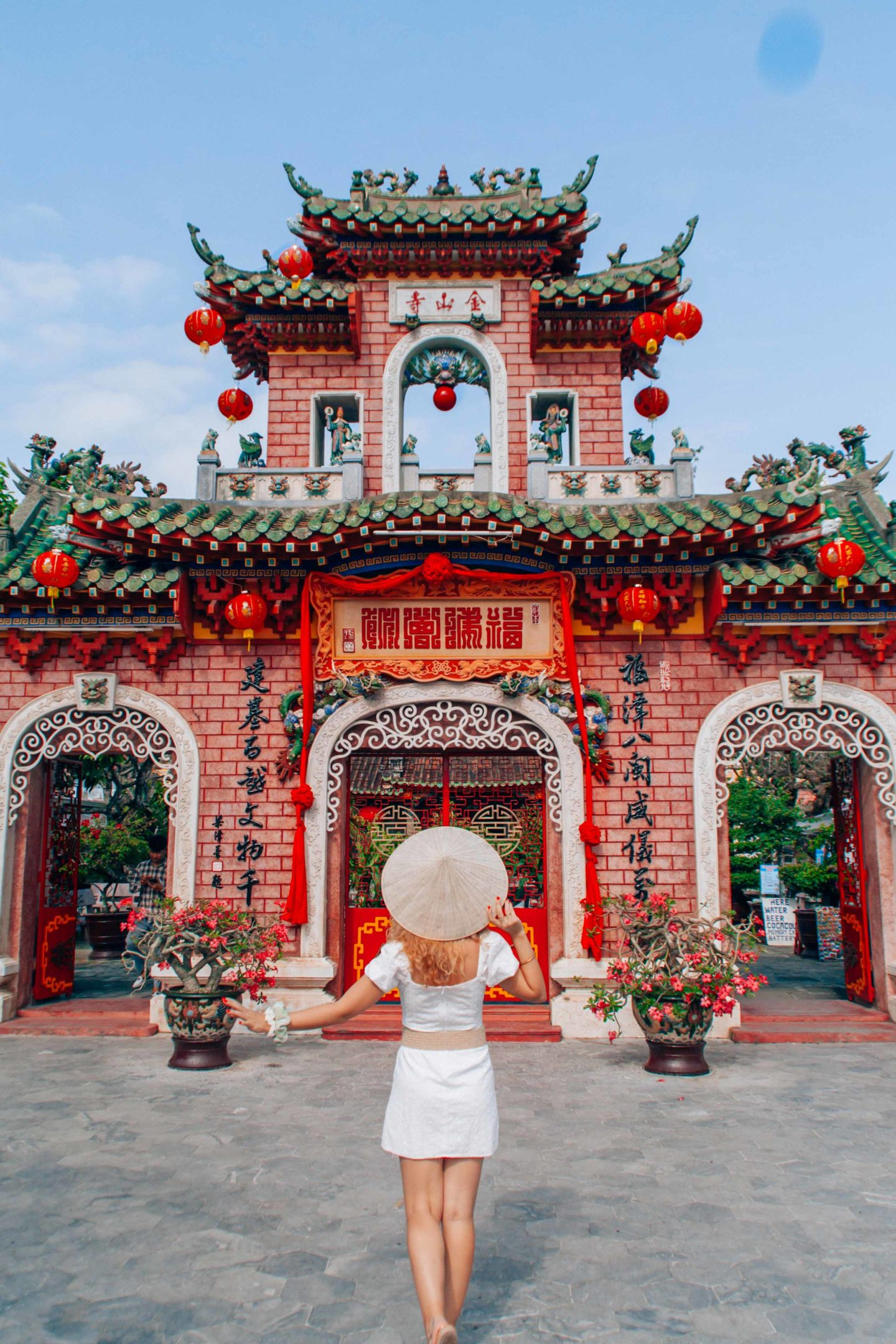 Fujian Chinese Assembly Hall, one of the most beautiful monuments to visit in Hoi An, Vietnam