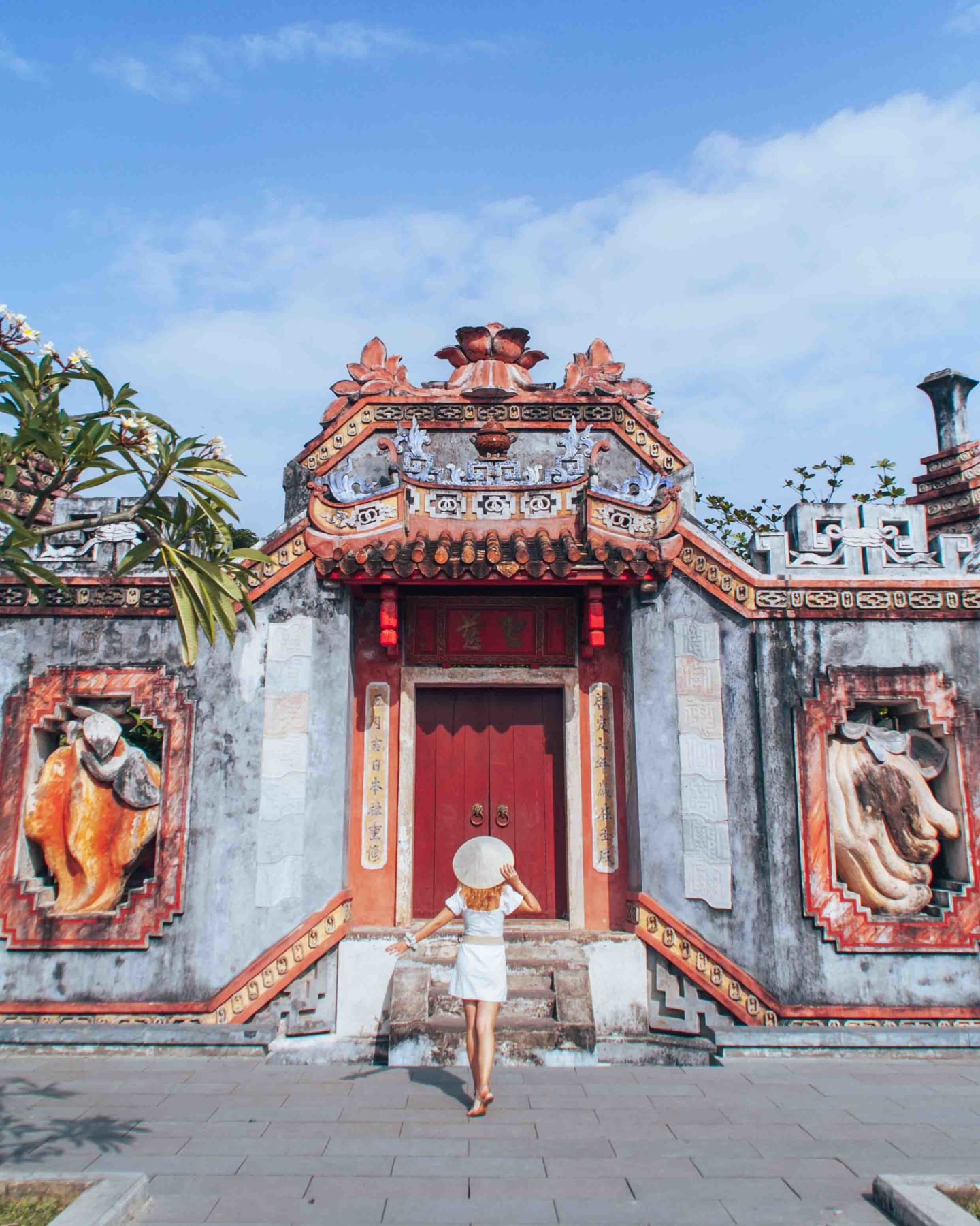 Follow me to the Ba Mu temple gate of Hoi An, Vietnam
