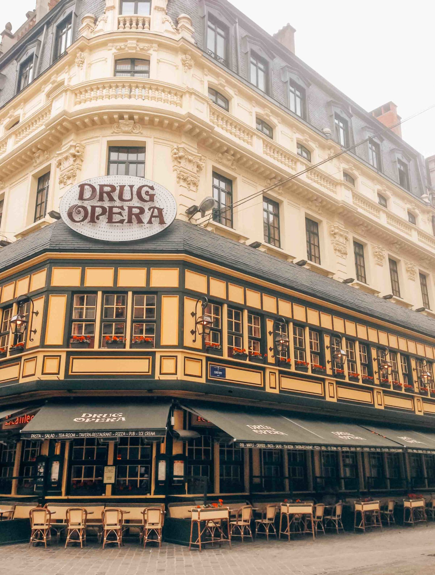 Have breakfast in the Drug Opera during your weekend in Brussels