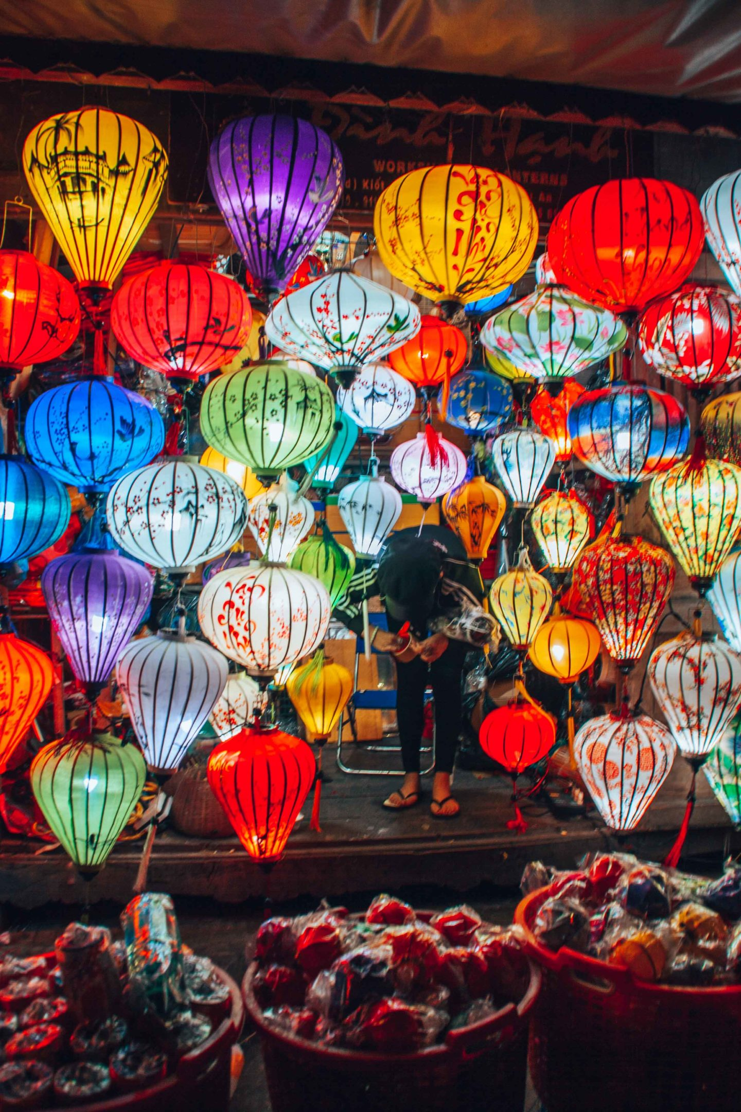 Where to find lanterns stalls in Hoi An, Vietnam