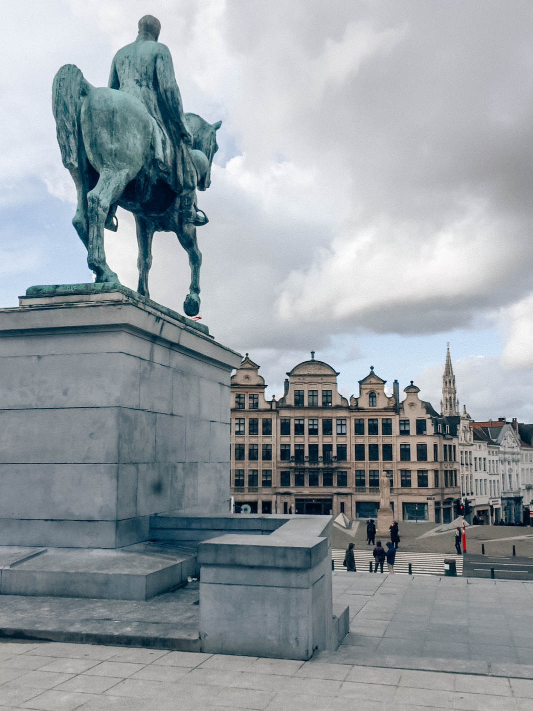 Equestrian statue in Mont des Arts