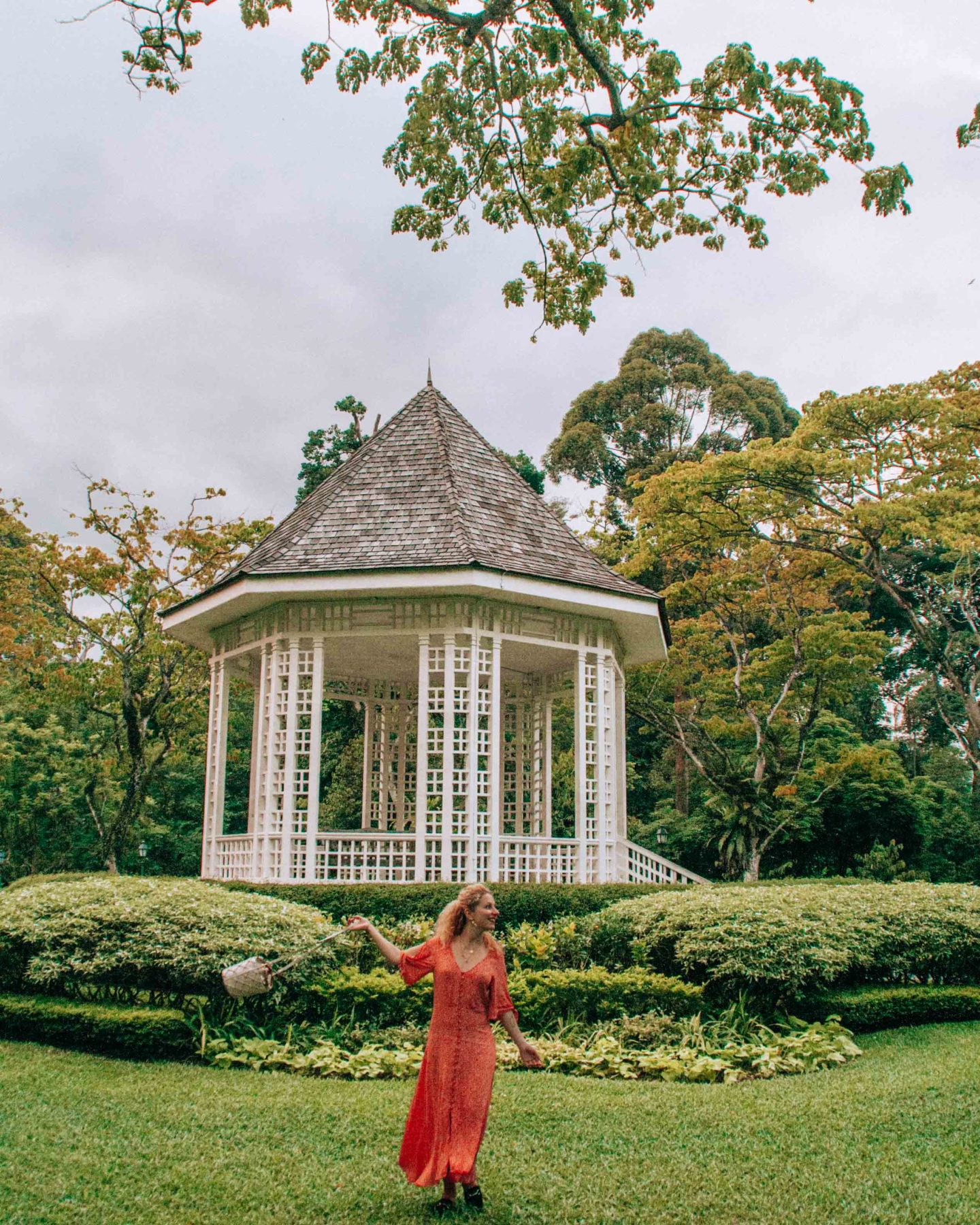 The bandstand photo spot in the Botanic Gardens of Singapore