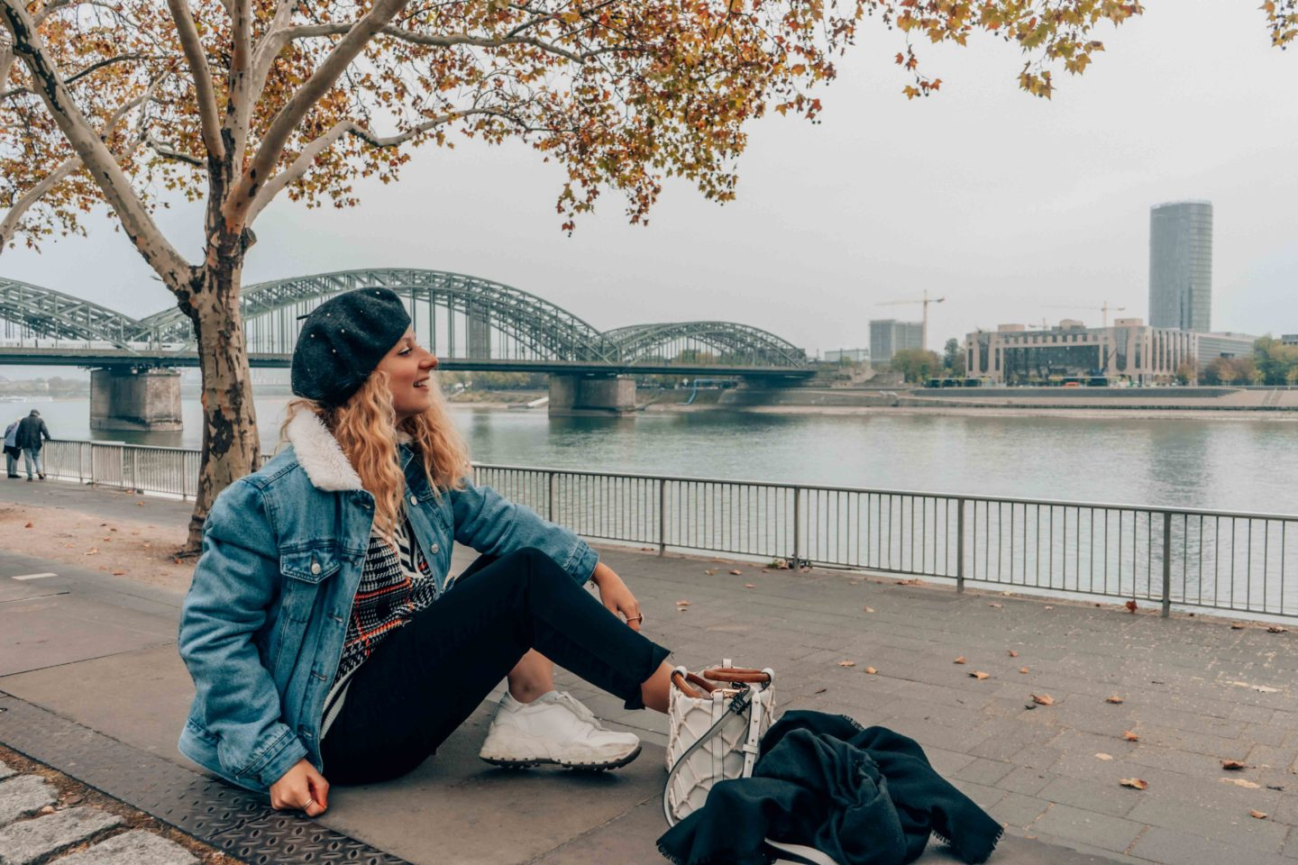 Chill by the Rhine in Cologne