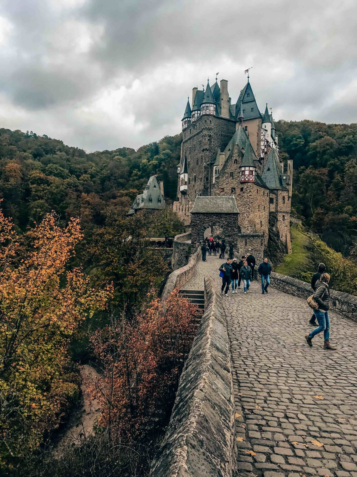 Must-see place in Autumn, Burg Eltz
