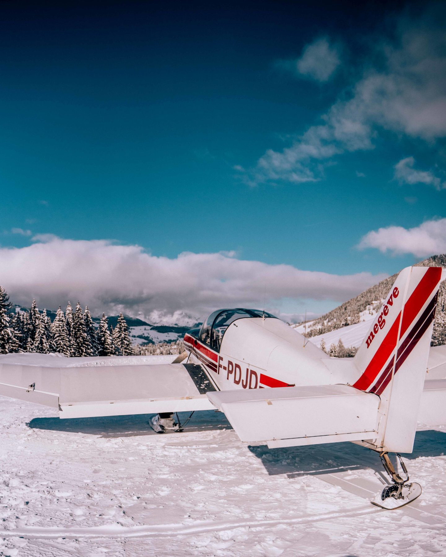 Small plane to fly around the French Alps from Megeve